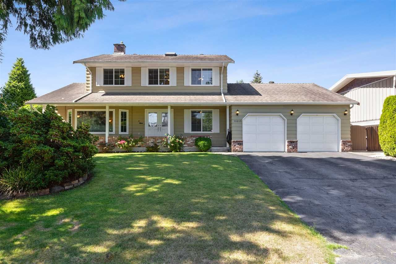 Main Photo: 11613 196A Street in Pitt Meadows: South Meadows House for sale : MLS®# R2493299