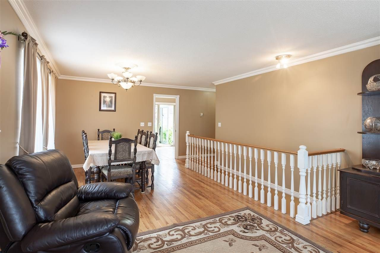 Main Photo: 1760 MORGAN Avenue in Port Coquitlam: Lower Mary Hill House for sale : MLS®# R2385902