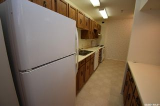 Photo 3: 203 351 Saguenay Drive in Saskatoon: River Heights SA Residential for sale : MLS®# SK857161