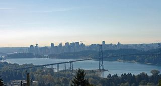 Photo 2: 853 Younette Drive in West Vancouver: Sentinel Hill House for sale : MLS®# R2001492