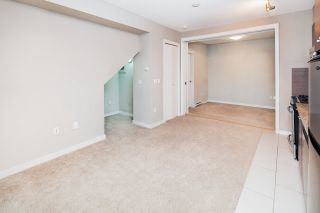 """Photo 6: 17 1863 WESBROOK Mall in Vancouver: University VW Townhouse for sale in """"ESSE"""" (Vancouver West)  : MLS®# R2341458"""