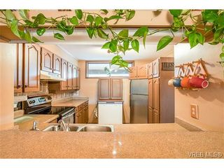 Photo 11: 207 485 Island Hwy in VICTORIA: VR Six Mile Condo for sale (View Royal)  : MLS®# 702261
