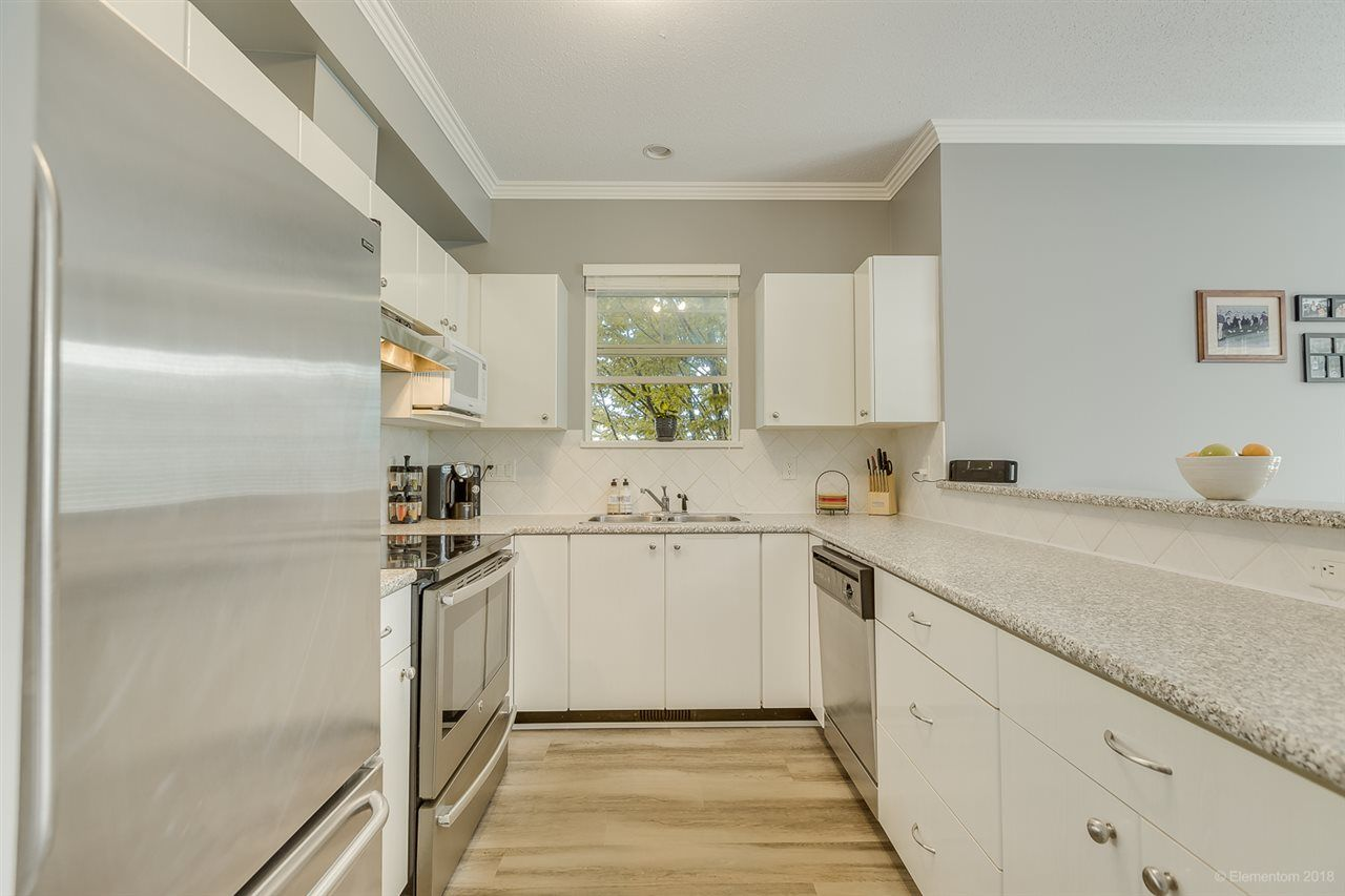 """Photo 8: Photos: 50 1010 EWEN Avenue in New Westminster: Queensborough Townhouse for sale in """"Windsor Mews"""" : MLS®# R2468809"""