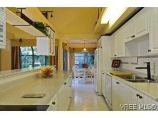 Photo 5:  in VICTORIA: SE Broadmead House for sale (Saanich East)  : MLS®# 528938