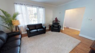 Photo 2: River Heights Bungalow for sale at 442 Niagara Stree!