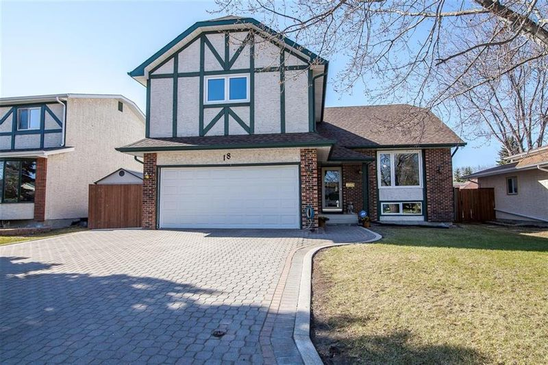 FEATURED LISTING: 18 Barbara Crescent Winnipeg