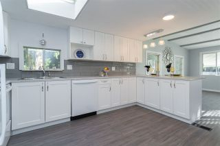 """Photo 7: 32 20071 24 Avenue in Langley: Brookswood Langley Manufactured Home for sale in """"Fernridge Estates"""" : MLS®# R2438182"""