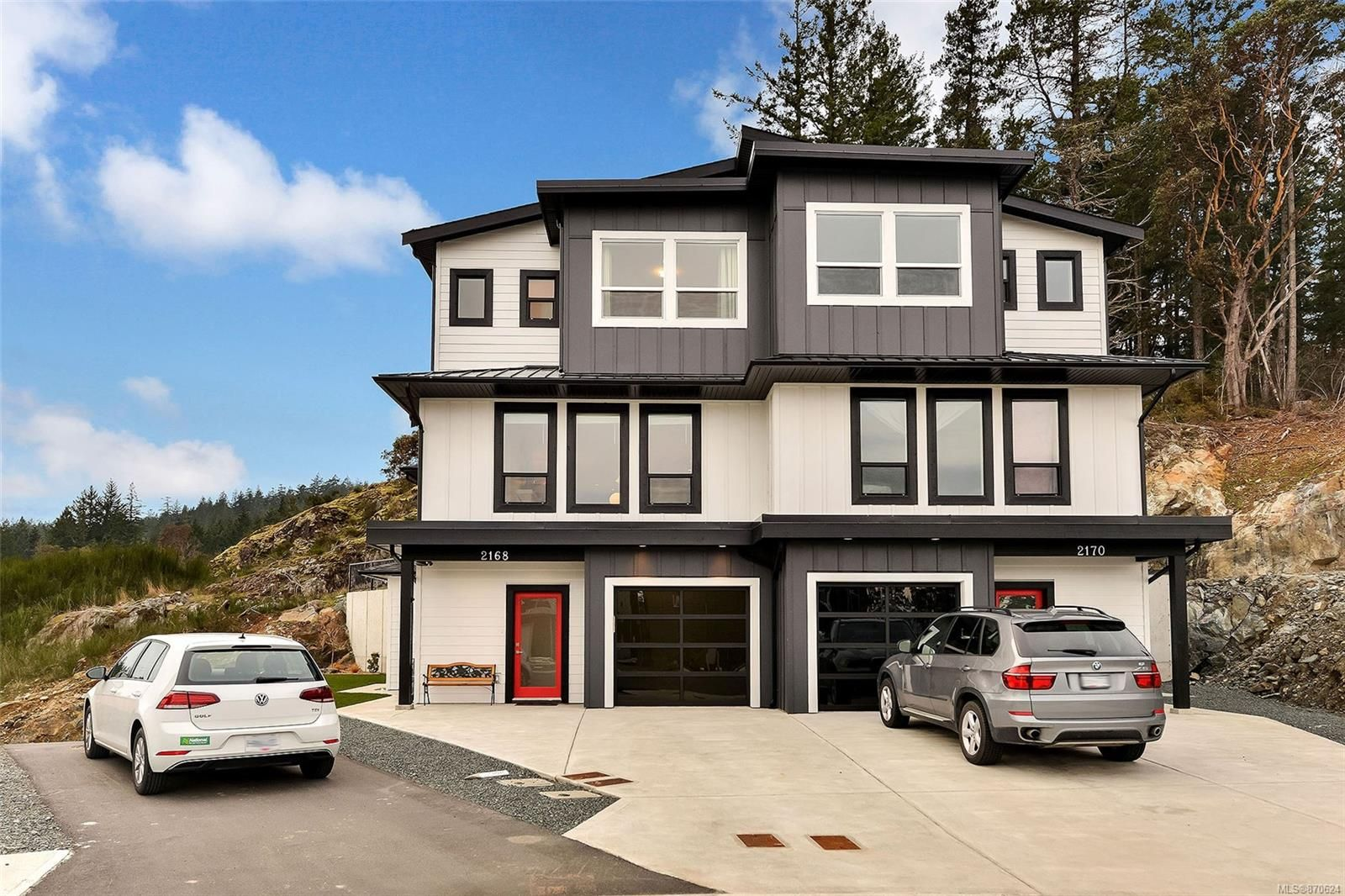 Main Photo: 2168 Mountain Heights Dr in : Sk Broomhill Half Duplex for sale (Sooke)  : MLS®# 870624