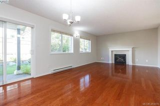 Photo 9: 14 Cahilty Lane in VICTORIA: VR Six Mile House for sale (View Royal)  : MLS®# 771497