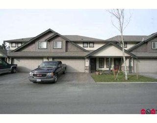"Photo 1: 32 44523 MCLAREN Drive in Sardis: Vedder S Watson-Promontory Townhouse for sale in ""THE GROVE"" : MLS®# H2900718"