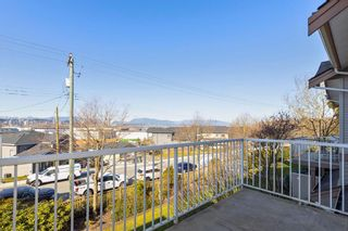 """Photo 9: 7 11860 RIVER Road in Surrey: Royal Heights Townhouse for sale in """"Cypress Ridge"""" (North Surrey)  : MLS®# R2444980"""