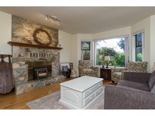 Photo 3: 15455 19 Avenue in Surrey: King George Corridor House for sale (South Surrey White Rock)  : MLS®# R2212130