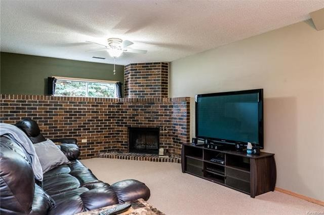 Photo 12: Photos: 6 Leston Place in Winnipeg: Residential for sale (2E)  : MLS®# 1816429