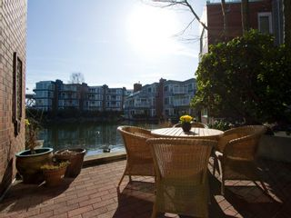 """Photo 10: 1598 ISLAND PARK Walk in Vancouver: False Creek Townhouse for sale in """"THE LAGOONS"""" (Vancouver West)  : MLS®# V1052642"""