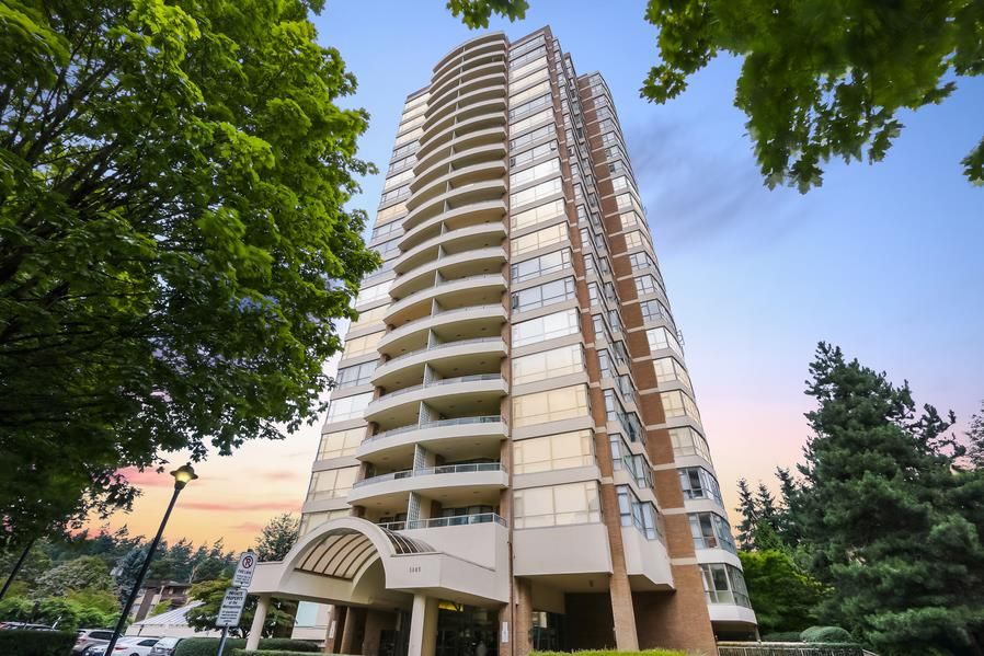 Main Photo: 2303 5885 OLIVE AVENUE in Burnaby: Metrotown Condo for sale (Burnaby South)  : MLS®# R2394700