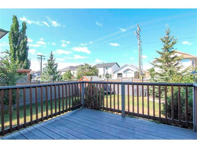 Photo 5: Photos: 196 TUSCANY HILLS Circle NW in Calgary: Tuscany House for sale : MLS®# C4019087