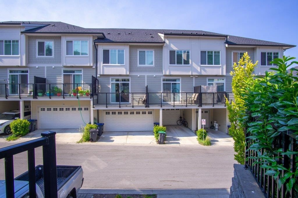 Main Photo: 107 13670 62 Avenue in Surrey: Sullivan Station Townhouse for sale : MLS®# R2597930