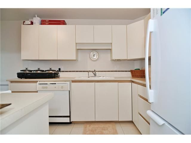 Photo 3: Photos: # 430 4825 HAZEL ST in Burnaby: Forest Glen BS Condo for sale (Burnaby South)  : MLS®# V1076658