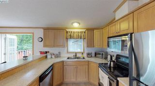 Photo 6: B7-920 Whittaker Road  |  Mobile Home For Sale