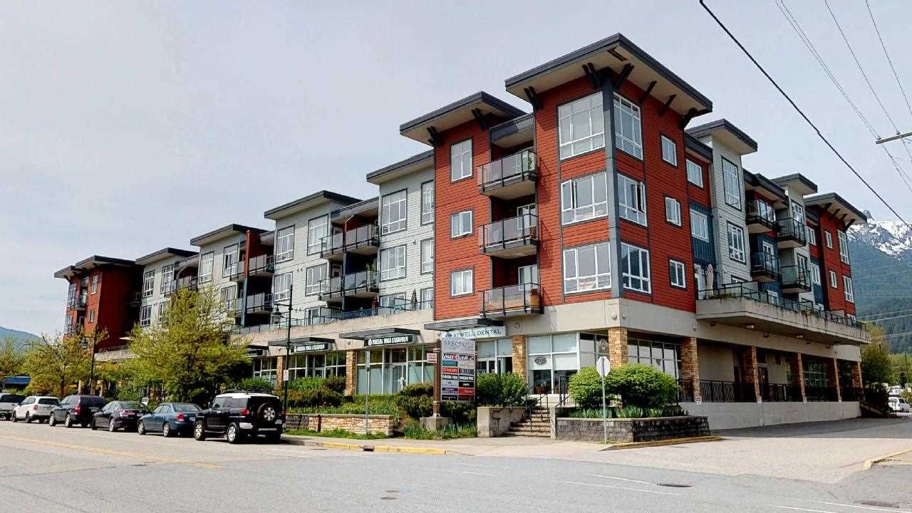 """Main Photo: 409 40437 TANTALUS Road in Squamish: Garibaldi Estates Condo for sale in """"Spectacle"""" : MLS®# R2264626"""