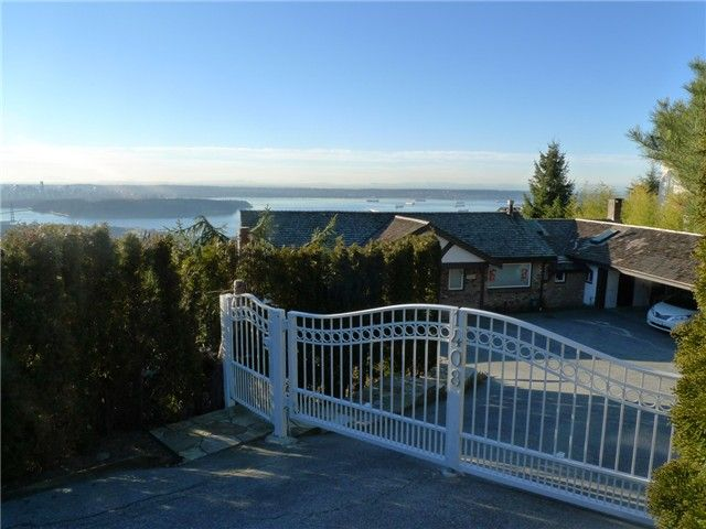 Main Photo: 1408 CHIPPENDALE Road in WEST VANCOUVER: Chartwell House for sale (West Vancouver)  : MLS®# V1047382