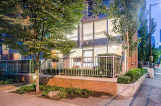 """Photo 19: 428 HELMCKEN Street in Vancouver: Yaletown Townhouse for sale in """"H & H"""" (Vancouver West)  : MLS®# R2282518"""