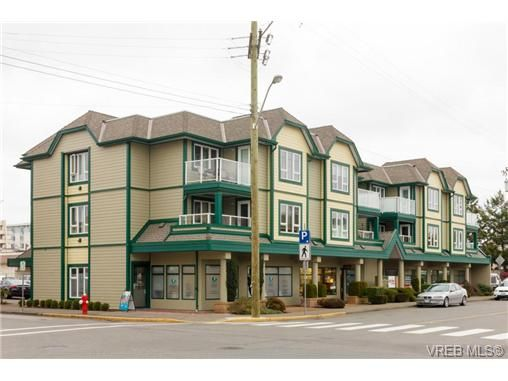Main Photo: 204 2510 Bevan Ave in SIDNEY: Si Sidney South-East Condo for sale (Sidney)  : MLS®# 716849