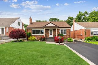 Main Photo: 68 GALBRAITH Drive in Stoney Creek: Residential for sale : MLS®# H4112849