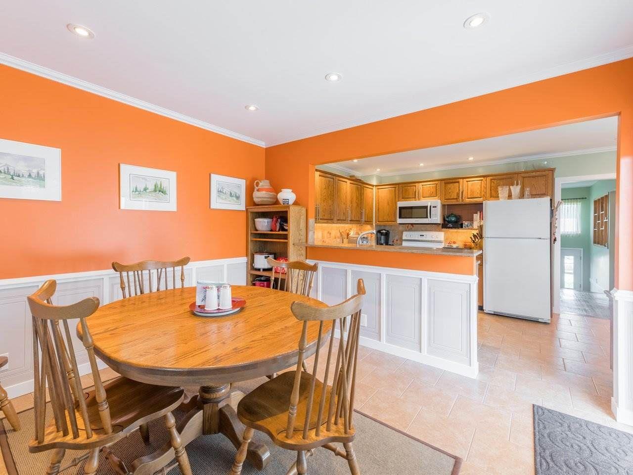 Photo 16: Photos: 808 REGAN Avenue in Coquitlam: Coquitlam West House for sale : MLS®# R2563486