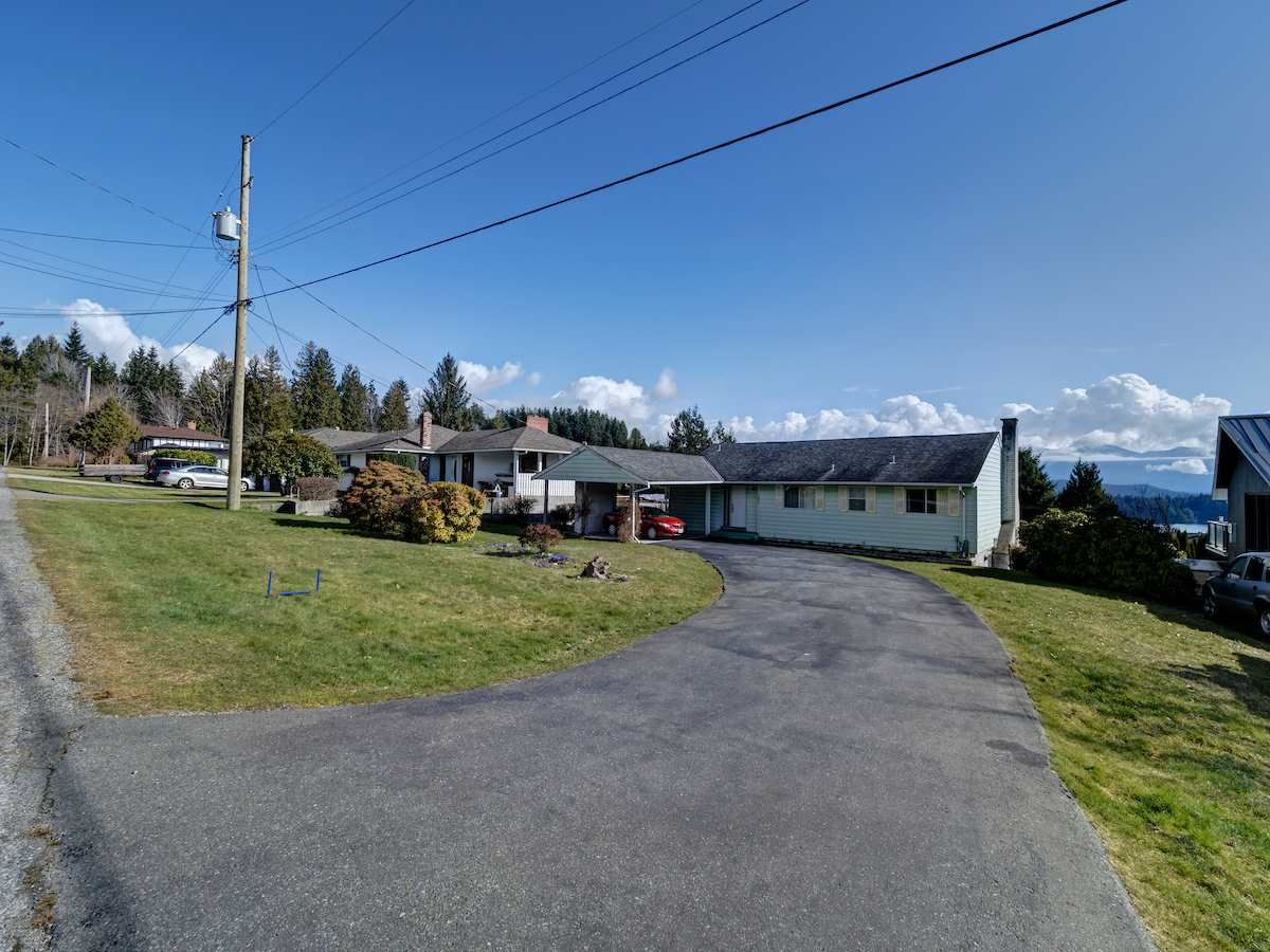 Photo 23: Photos: 1536 THOMPSON Road in Gibsons: Gibsons & Area House for sale (Sunshine Coast)  : MLS®# R2597890
