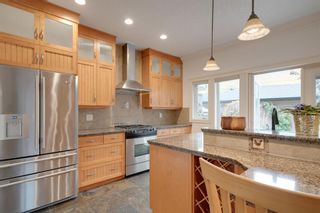 Photo 13: 2810 18 Street NW in Calgary: Capitol Hill Semi Detached for sale : MLS®# A1149727