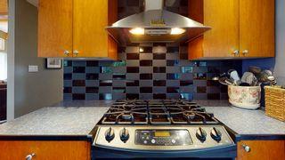 "Photo 4: 7858 LOHN Road in Halfmoon Bay: Halfmn Bay Secret Cv Redroofs House for sale in ""WELCOME WOODS"" (Sunshine Coast)  : MLS®# R2533646"