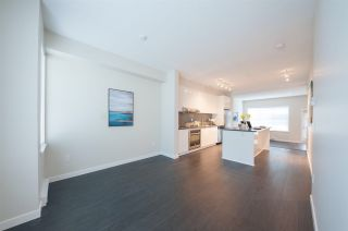 Photo 3: 78 5550 ADMIRAL Way in Ladner: Neilsen Grove Townhouse for sale : MLS®# R2504092