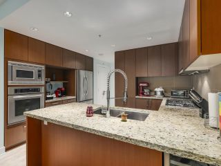 Photo 8: 1106 1155 THE HIGH Street in Coquitlam: North Coquitlam Condo for sale : MLS®# R2622995