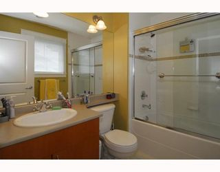 """Photo 11: 16 6233 BIRCH Street in Richmond: McLennan North Townhouse for sale in """"HAMPTONS PLACE"""" : MLS®# V634898"""