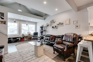 Photo 5: 7408 22A Street SE in Calgary: Ogden Detached for sale : MLS®# A1102661