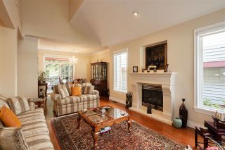 """Photo 4: 74 1701 PARKWAY Boulevard in Coquitlam: Westwood Plateau House for sale in """"TANGO"""" : MLS®# R2572995"""