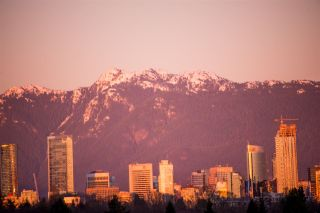 """Photo 14: 3077 W 21ST Avenue in Vancouver: Arbutus House for sale in """"Arbutus"""" (Vancouver West)  : MLS®# R2530648"""