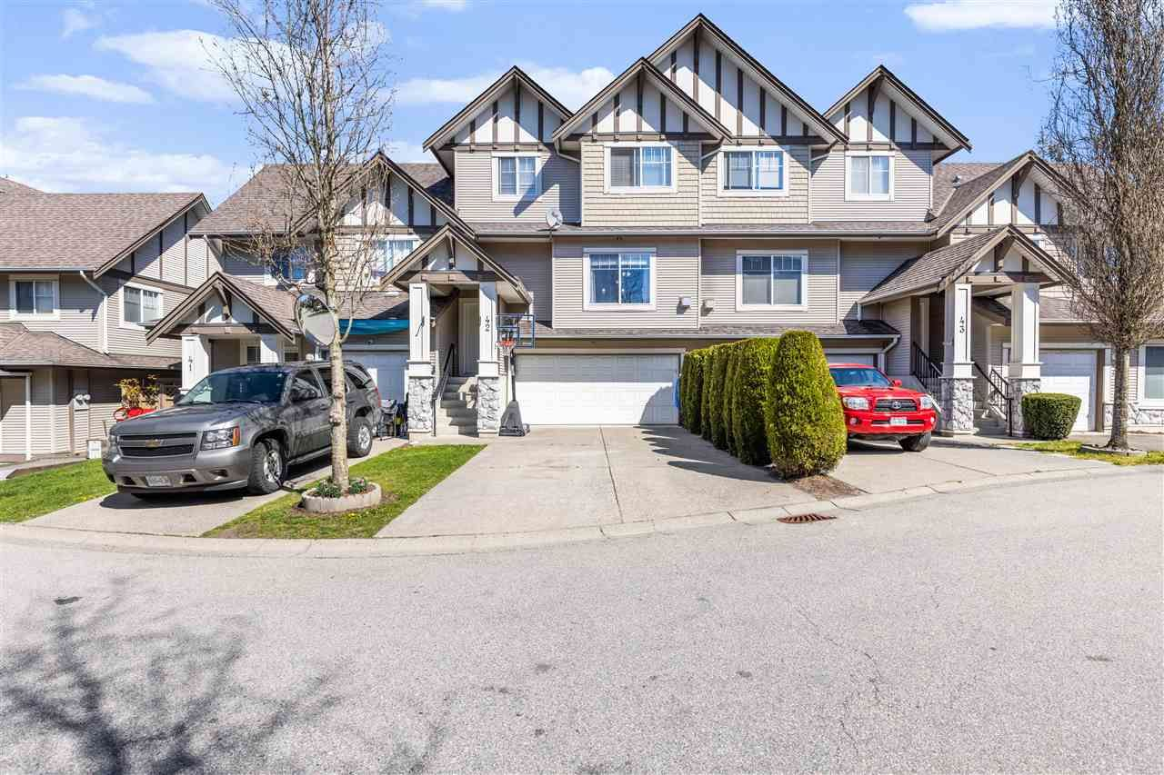 """Main Photo: 42 18181 68 Avenue in Surrey: Cloverdale BC Townhouse for sale in """"Magnolia"""" (Cloverdale)  : MLS®# R2568786"""