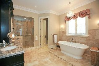 Photo 2: 111A Naughton Drive in Richmond Hill: Westbrook House (Bungaloft) for sale : MLS®# N2892654