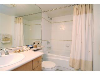 """Photo 8: 2325 ASH Street in Vancouver: Fairview VW Townhouse for sale in """"OMEGA CITIHOMES"""" (Vancouver West)  : MLS®# V846848"""