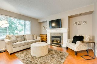 """Photo 2: 558 CARLSEN Place in Port Moody: North Shore Pt Moody Townhouse for sale in """"Eagle Point complex"""" : MLS®# R2388336"""