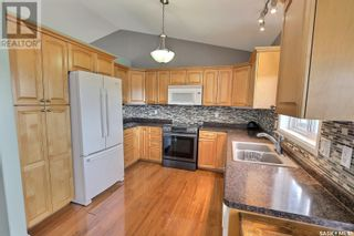 Photo 7: 425 Southwood DR in Prince Albert: House for sale : MLS®# SK870812