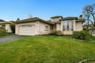 Photo 1: 1561 Eric Rd in : SE Mt Doug House for sale (Saanich East)  : MLS®# 862564