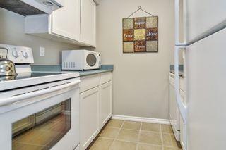 "Photo 5: 102 17661 58A Avenue in Surrey: Cloverdale BC Condo for sale in ""Wyndham Estates"" (Cloverdale)  : MLS®# R2483711"