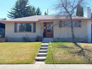 Photo 1: 5911 LOCKINVAR RD SW in Calgary: Lakeview House for sale : MLS®# C4293873