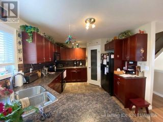 Photo 2: 50 WELLWOOD DRIVE in Whitecourt: House for sale : MLS®# AW52481