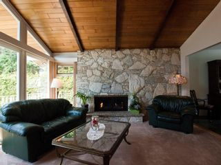 """Photo 5: 4720 RAMSAY Road in North Vancouver: Lynn Valley House for sale in """"Upper Lynn"""" : MLS®# V883000"""