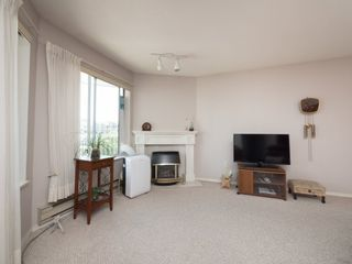 """Photo 4: 202 5363 206 Street in Langley: Langley City Condo for sale in """"Park Estates II"""" : MLS®# R2188125"""