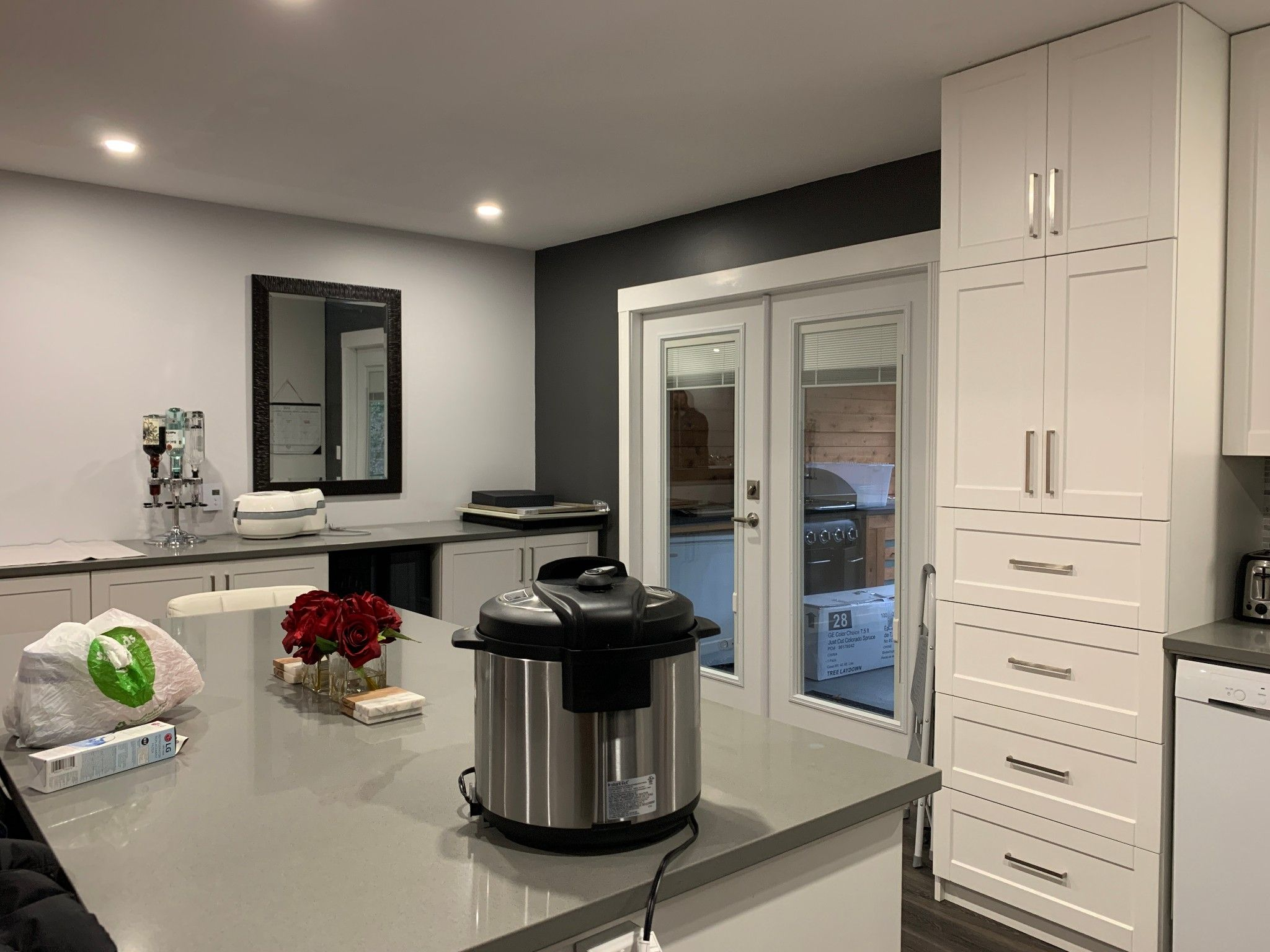 Photo 3: Photos: Upper 35280 Wells Gray Ave. in Abbotsford: Abbotsford East Condo for rent